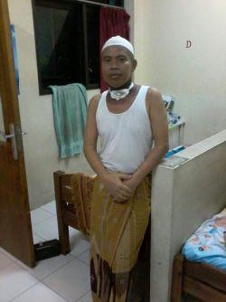 Pesan Pak Marmin, pasien RSCM dari Lampung, teman sekamar di rumah singgah RSCM, sudah 2 bulan rawat inap, dan 2 bulan jg di rumah singgah RSCM utk kontrol.