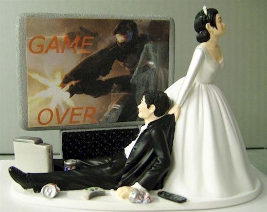 Kue ini pas banget buat gamer yang nggak kenal waktu. Kalau udah dapet istri yang berani menyeret kamu dari mainanmu, kamu bisa apa??