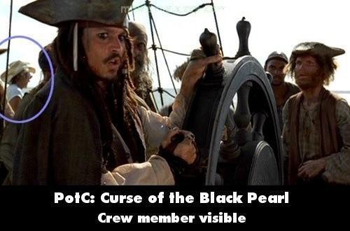Pirate of The Caribian : Curse of the Black Pearl Dalam film ini ada satu scene di atas kapal yang kelihatan ada crew yang kena shoot kamera. Crew itu terlihat memakai kaos berwarna putih dan topi coboy.