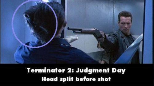 Terminator 2 : Judgement Day Head Ada salah scene yang memperlihatkan adegan tembak-tembakan, tapi belum di tembak kepala pemainnya udah tembus peluru duluan.