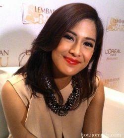 10 Artis Indonesia Berprestasi yang bisa jadi inspirasi buat Kamu....