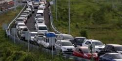10 Meme Macet Mudik Gokil yang Mungkin Bisa Ngurangin Kepenatanmu di Tengah Kemacetan