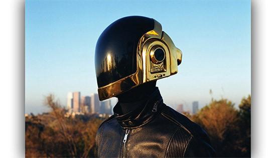 Helm ini kurang jelas mana bagian depan dan mana bagian belakangnya.