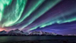 Udah Pada Tau Aurora Borealis? Nih 40 Foto Aurora Borealis yang Sumpah Keren Banget!