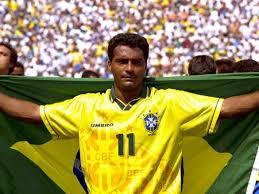 Romario Pemain yang dulunya striker Barcelona dan Brasil ini dihukum tiga tahun penjara karena penggelapan pajak dan denda 800.000 euro. Sekitar tahun 1996 dan 1997.