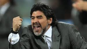 Diego Maradona Skitar tahun 80-an departemen keuangan itali mengejar Maradona karena tak membayar pajak saat masih main di Napoli. Tagihan pajak Maradona mencapai tujuh juta euro.