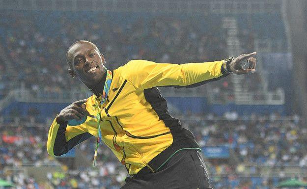Dengan kemenangannya di 100 meter di Rio, Bolt adalah orang pertama yang memenangkan emas dalam tiga Olimpiade berturut-turut. Keren!