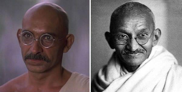 Ben Kingsley sebagai Mohandas Karamchand Gandhi di Gandhi (1982).