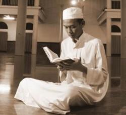 Subhanallah...!!! Bacalah Surah Ini SAAT KESUSAHAN,Inasaallah Allah SWT Mengutus Malaikat Untuk Membantu.