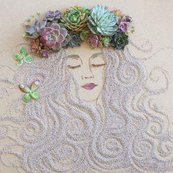 Seniman Ini Menggambarkan Ibu Pertiwi Menggunakan Ranting dan Bunga