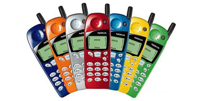 Nokia 5110 Ini adalah ponsel keren jaman dulu Pulsker, bentuknya udah mulai kekinian dengan berbagai pilihan warna. Walaupun dulu kamu belum punya sendiri, bisa jadi mama atau papa mu udah punya gadget keren ini. Bener nggak Pulsker?