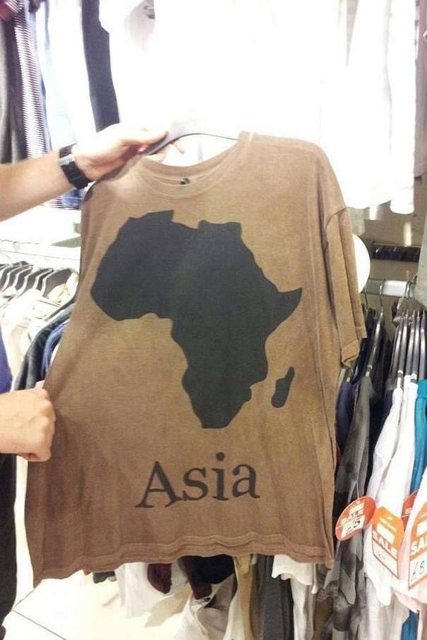 Gambarnya benua Afrika, tapi tulisannya benua Asia. Pembodohan banget ya Pulsker..hehehe