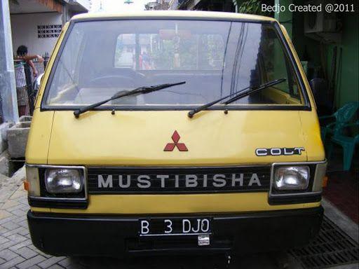 Nah, modifikasi yang bener yang kayak gini nih yang musti kalian tiru. Minibus ini bertransformasi dari nama aslinya Mitubishi menjadi Mustibisha seperti ini. Tidak hanya itu, coba kalian juga plat nomor mobil ini. Ada hal apa?, jika kalian baca lagi maka akan tertera kata B3DJO yang kata orang Jawa artinya untung. Semoga beruntung pula ya yang punya mobil ini, Mustibisha kok.