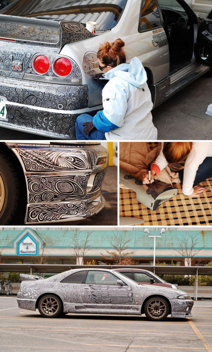 Wanita ini memutuskan untuk menggambar doodle di seluruh badan mobilnya. Kalo kaya gini sih ga akan salah masuk mobil yaa hehe.
