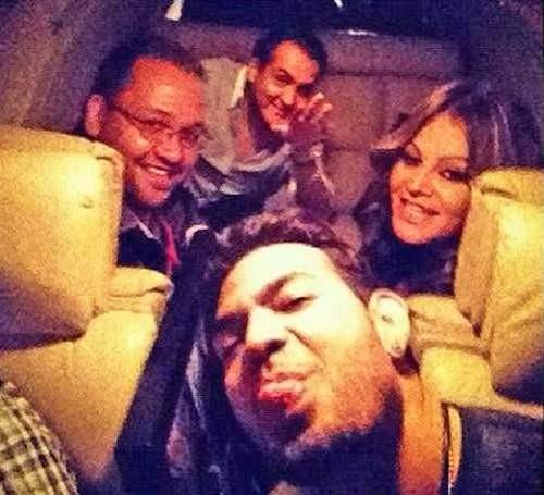 Kecelakaan Jet sang Diva Pop Meksiko Ditahun 2012 lalu, seorang diva pop Mexico bernama Jenni Rivera dan teman-temannya mengambil selfie saat mereka berada di atas jet pribadi. Tapi sayangnya jet tersebut mengalami kendala udara dan akhirnya kecelakaan. Kejadian tersebut tidak menyisakan korban selamat.