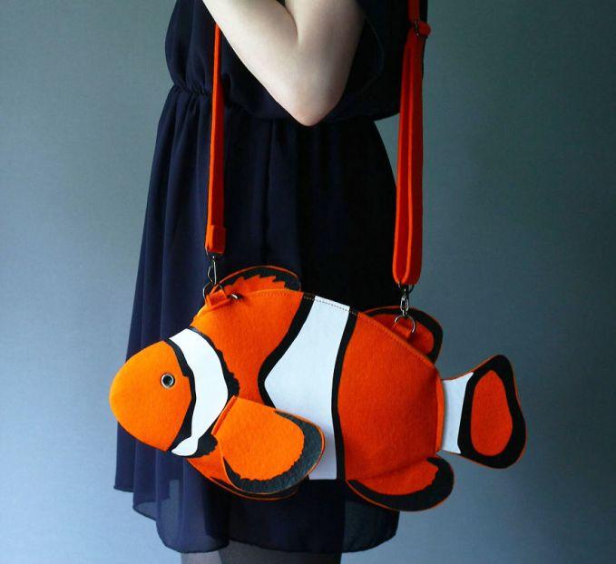 Tas berbentuk ikan badut (Nemo).
