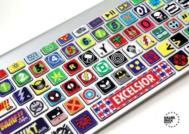 Yang suka sama karakter-karakter unik, ini ada stiker keyboard keren untuk kalian pulsker. Keren sih, tapi juga rame ya pulsker. Cocok buat anak hitz nih.