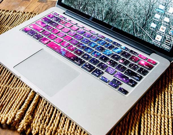 Kalian yang suka sama hal-hal yang berbau antariksa boleh nih untuk dipasang di keyboard kalian. Tema galaksi yang keren dengan hamparan bintang-bintang pulsker.