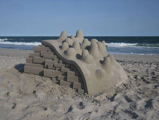 Yang ini juga gimana bikinnya ya pulsker?. Cara menyusun pasir tersebut layaknya batu bata yang disusun sedemikian rupa dan dengan lengkungan seperti seluncuran begitu.