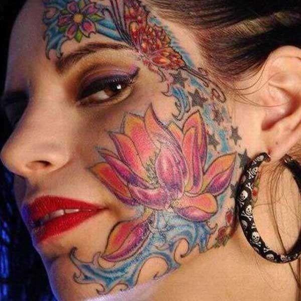 Kadang orang menilai tato itu kriminal, tapi sebagian lainnya menilai tato sebagai salah satu estetika seni pulsker. Seperti yang ditunjukkan oleh seorang wanita ini nih.