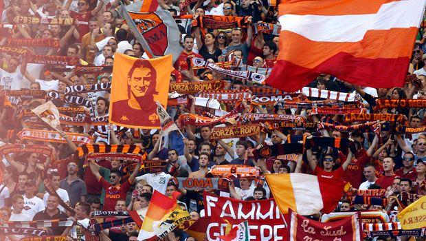 Semangat garis keras para supporter juga berlanjut di Italia pulsker. Di Italia, dua pendukung Liverpool ditusuk oleh para pendukung AS Roma pada 2001. Lima tahun berselang, tiga pendukung Middlesbrough yang menjadi korban. Di dalam negeri, yang tercatat pernah menjadi korban para pendukung Roma garis keras adalah kelompok pendukung SS Lazio dan Napoli.