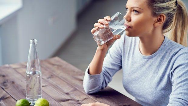 Perbanyak juga dengan minum air putih pulsker. Air membuat tubuh kita tetap terhidrasi dan meningkatkan sistem kekebalan tubuh terhadap penyakit. Untuk lebih ampuh membunuh kuman, masaklah air dengan menambakan klorida (3-4 tetes setiap satu liter air) sebelum dikonsumsi untuk membunuh mikroorganisme yang dapat menyebabkan penyakit. Begitu pulsker..