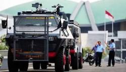 Begini Keren dan Kekarnya Baracuda, Mobil Pengangkut Personil Polisi di Lapangan
