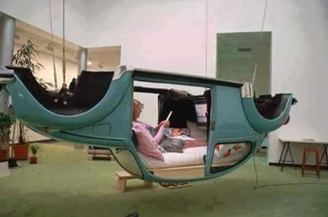 Kini Rongsokan Mobil Bekas Bisa Jadi Perabotan Rumah yang Unik dan Tak Kalah Menariknya Lho