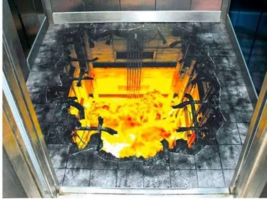 Buka pintu lift dikejutkan dengan lantai lift yang berlubang penuh dengan bara api. Berani masuk?