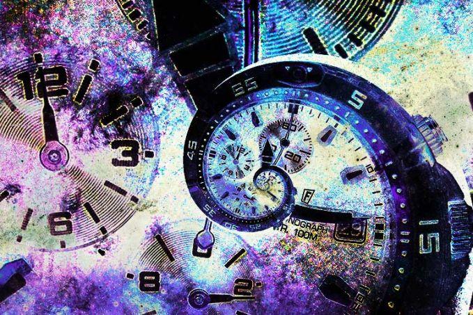 Mesin Waktu Banyak yang mengartikan kapal-kapal dan pesawat yang menghilang secara misterius karena adanya lorong waktu yang membawanya ke masalalu ataupun masa yang akan datang.