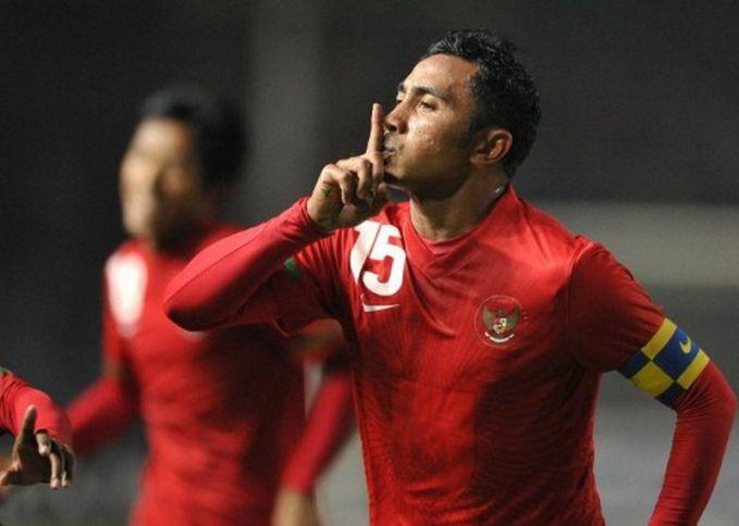 Sejauh penyelenggaraan Piala AFF, Indonesia pernah menempatkan empat pemainnya sebagai topskor lho. Yakni Bambang Pamungkas, Ilham Jaya Kesuma, Gendut Doni, dan Budi Sudarsono. Selain itu pulsker, gelar pemain terbaik juga pernah diraih oleh pesepakbola tanah air, yakni Firman Utina pada gelaran Piala AFF 2010 silam.