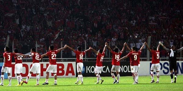 Negara kita juga pernah menjadi tuan rumah perhelatan kejuaraan sepakbola bergengsi di Asia Tenggara ini pulsker. Indonesia pernah tiga kali menjadi tuan rumah gelaran Piala AFF, yakni pada 2002, 2008, dan 2010 lalu.