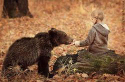 Hubungan Manusia dengan Hewan yang Saling Menyayangi