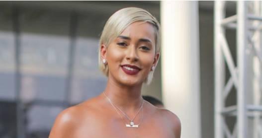 Wanita selanjutnya adalah Kimmy Jayanti. Dengan gaya rambutnya yang unik dan warna kulit yang eksotis Kimmy pun menjadi sosok yang idaman pria.
