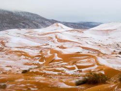 Peristiwa Langka, Inilah Foto-Foto Saat Salju Menutupi Gurun Pasir Sahara