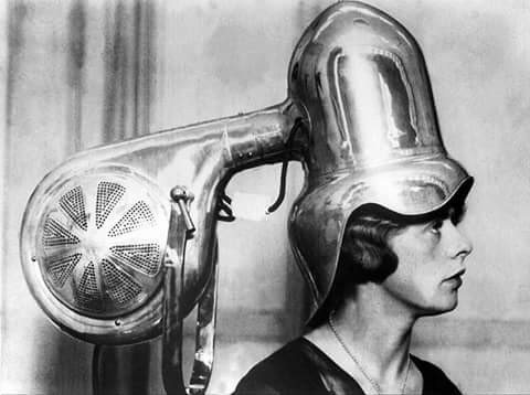 Beginilah Wujud Hair Dryer di Masa Lalu, Beda Jauh Sama yang Sekarang Ya?