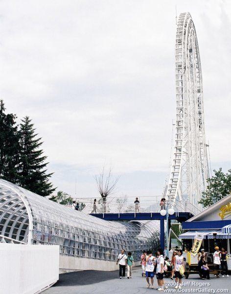Dodonpa adalah Roller Coasters yang ada di jepang nih pulsker, tepatnya di Fuji-Q highland, Fujiyoshida, jepang. Memiliki ketinggian 52 meter dengan kecepatan 172 km/jam.