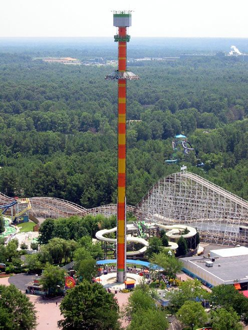 Wahana ini akan membawa kita pada ketinggian 92 meter lalu dijatuhkan dengan kecepatan 115 km/jam. Mirip-mirip sama perasaan ini yang dibuat melayang lalu dijatuhkan. Jleeb banget kan? Hehe