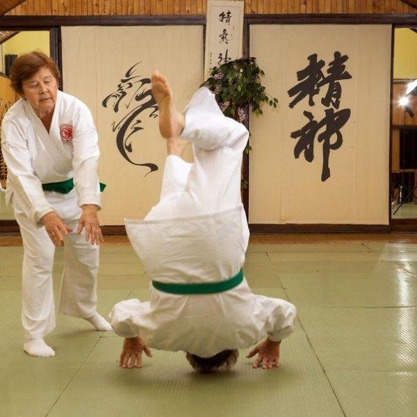 olahraga bela diri Aikido, di rusia terdapat kelompok olahraga ini dengan anggota yang paling muda berusia 55 tahun dan yang tertua 75 tahun.