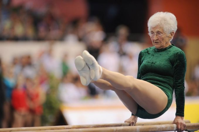 Johanna Quaas dengan usianya 86 tahun masih tetap semangat dan enerjik untuk senam. Yang muda masih semangat nggak ya?