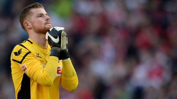 Nama : Timo Horn Umur : 23 tahun Negara : Jerman Klub : FC Koln Memulai karir di FC Koln, cowok ganteng ini sudah mengikuti hampir 150 pertandingan bersama clubnya. Walaupun usianya baru 23 tahun, tapi ia adalah ancaman yang berat bagi Manuel Neuer.