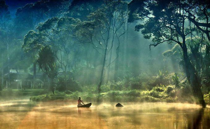 Danau ditengah hutan, Situ Gunung, Sukabumi Suasana didanau yang penuh dengan keheningan, hanya suara alam yang terdengar. Sangat tenang dan damai.