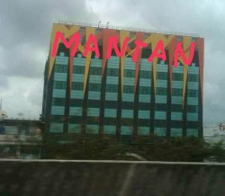 Lucunya Gambar Ornamen Hotel Alexis yang Dibikin Plesetan Ini, Bikin Ngakak!