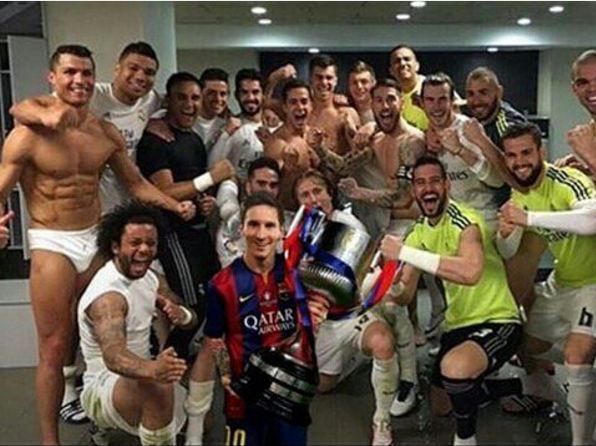 Wah, ada apaan nih Messi main-main ke changing roomnya Real Madrid? :v