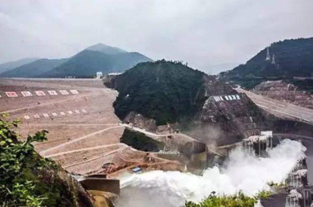 Di sungai Lancang, Tiongkok juga terdapat dam tertinggi lainnya pulsker. Nuozhadu Dam, dibangun untuk pembangkit listrik dan mengontrol debit air agar tak terjadi banjir. Tingginya mencapai 261 meter, sama seperti dam di Meksiko sebelumnya pulsker.