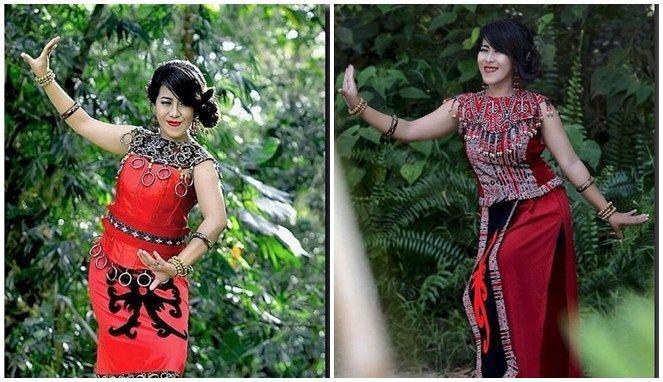 Walaupun telah mengikuti tren masa kini, tapi wanita Dayak sangat cinta kebudayaan mereka, salah satunya adalah tarian tradisional.