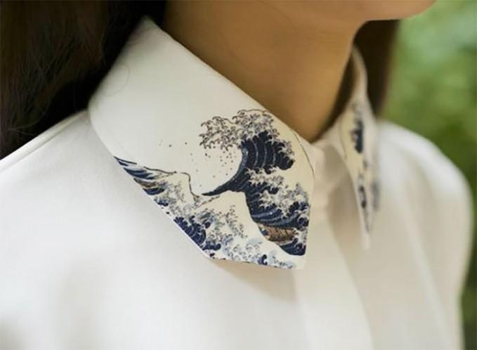 Tren seperti ini banyak muncul pada cewek-cewek Jepang pulsker. Mereka menambahkan lukisan kecil gunung Fujiyama yang terkenal di Jepang. Atau gulungan ombak di pantai bisa jadi inspirasi lukisan di kerah baju.
