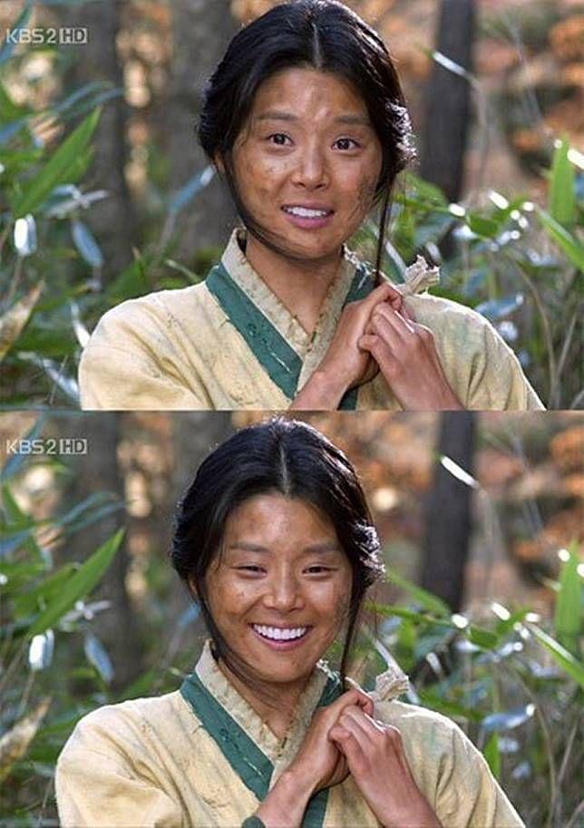 Kalau yang ini dari zaman Joseon, wajahnya kotor tapi giginya putih banget. Padahal jaman dulu harunya nggak ada pasta gigi deh.