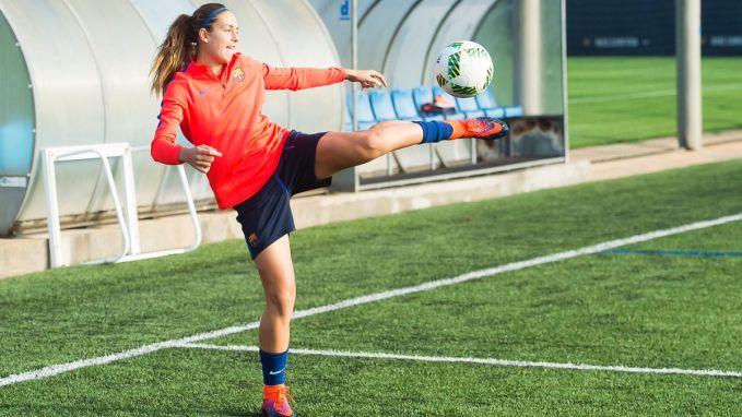 Yang muda yang berbakat. Itulah Alexia Putellas yang merupakan gelandang serang Barcelona dan timnas putri Spanyol yang masih berusia 23 tahun pulsker. Alexia telah memenangkan tiga gelar liga dan dua gelar piala Spanyol. Dia telah menjadi bagian dari skuad timnas putri Spanyol pada UEFA Womens Euro 2013 dan FIFA Womens World Cup 2015 lalu. Pada musim 2014-2015 Alexia dinobatkan sebagai pemain terbaik Catalan bersama bek Barcelona, Gerard Pique.
