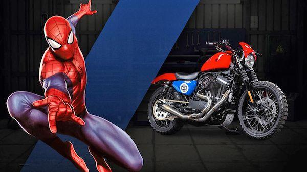 Warna merah dan biru yang menjadi ciri khas dari sosok Spiderman kini melekat pada motor bergaya klasik besutan Harley-Davidson ini. Lumayan nih buat keliling kota di sore hari ya pulsker?.